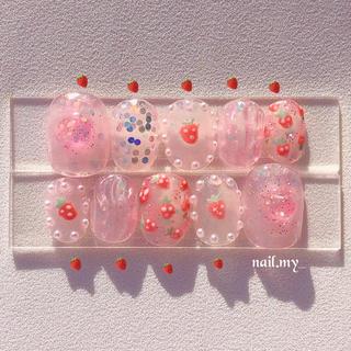 透け感 ピンクいちごネイル ネイルチップ ジェルネイル(つけ爪/ネイルチップ)