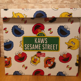 SESAME STREET - kaws sesame street x uniqlo