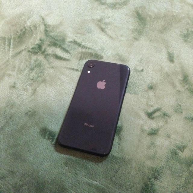 iPhone(アイフォーン)の【美品】iPhone XR SIMフリー 64GB スマホ/家電/カメラのスマートフォン/携帯電話(スマートフォン本体)の商品写真