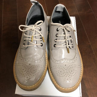 ミスティウーマン(mysty woman)のmisty woman☺︎エナメル靴Mサイズ(ローファー/革靴)