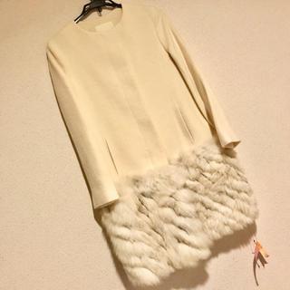 グレースコンチネンタル(GRACE CONTINENTAL)の希少サイズGrace continentalの裾ファー付きホワイトコート(ロングコート)