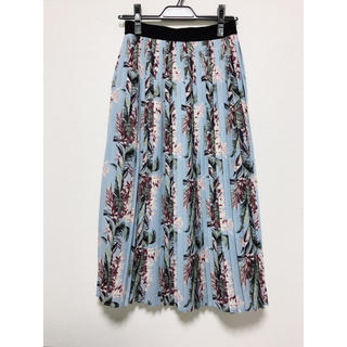 ローズバッド(ROSE BUD)の【ローズバッド】花柄 クラシカル プリーツスカート ブルー系(ロングスカート)