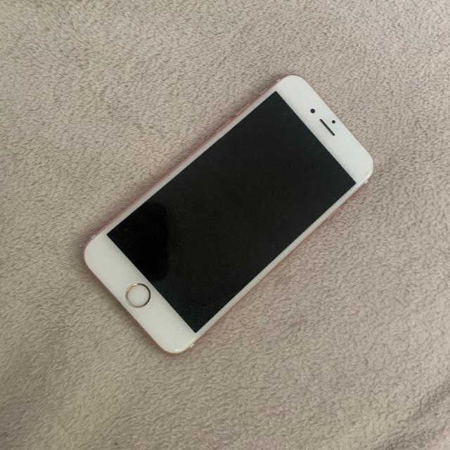 NTTdocomo(エヌティティドコモ)のドコモ iPhone6s  スマホ/家電/カメラのスマートフォン/携帯電話(スマートフォン本体)の商品写真