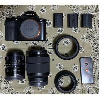 ソニー(SONY)のSONY α7 美品 レンズ2本バッテリー3本付き フルサイズデビューに(ミラーレス一眼)
