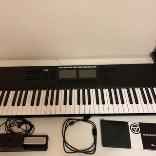 KOMPLETE KONTROL S61 MK(MIDIコントローラー)