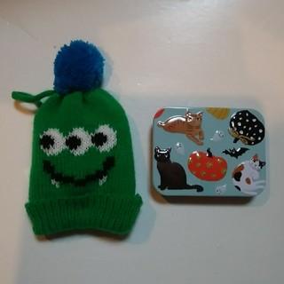 カルディ(KALDI)のカルディ ハロウィンモンスターニット帽とミニネコ缶セット *1(ぬいぐるみ)