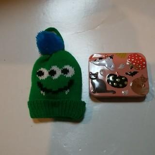 カルディ(KALDI)のカルディ ハロウィンモンスターニット帽とミニネコ缶セット*2(ぬいぐるみ)