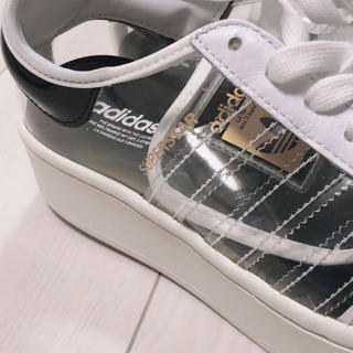 adidas - 未使用タグ付き アディダス スーパースター ボールド 24 スニーカー