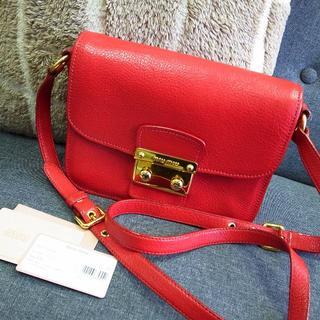 miumiu - 正規品☆ミュウミュウ ショルダーバッグ マドラス 赤 レザー バッグ 財布 小物