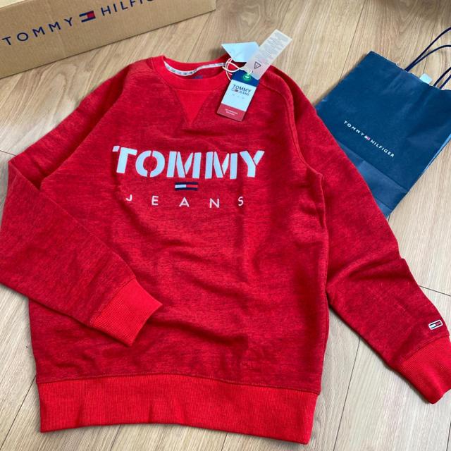 TOMMY HILFIGER(トミーヒルフィガー)のtommy jeans 新品 刺繍ロゴ トレーナー スウェット レディースのトップス(トレーナー/スウェット)の商品写真