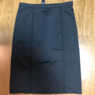 ビーシービージーマックスアズリア(BCBGMAXAZRIA)のBCBG MAXAZRIA 黒タイトスカート サイズ2(ひざ丈スカート)