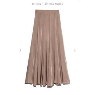 スナイデル(snidel)のSNIDEL 2020年新作 サテンフレアロングスカート(ロングスカート)