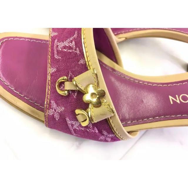 LOUIS VUITTON(ルイヴィトン)のLOUIS VUITTON ラズベリーカラー モノグラムデニムサンダル レディースの靴/シューズ(サンダル)の商品写真