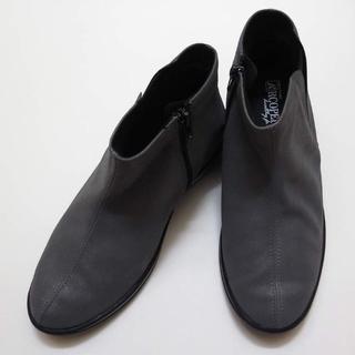 アルコペディコ(ARCOPEDICO)の【新品】アルコペディコ ソフィアバッキー 36(23.5) グレー(ブーツ)