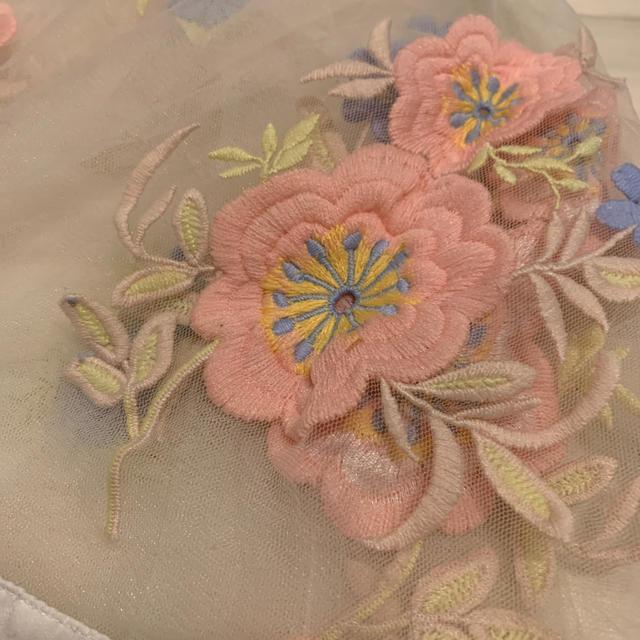 Lily Brown(リリーブラウン)のリリーブラウン  花柄 刺繍 レース シフォントップス  レディースのトップス(シャツ/ブラウス(長袖/七分))の商品写真