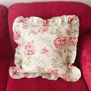 フリル クッションカバー ピンク花柄 45×45(クッションカバー)