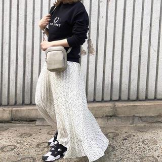 カプリシューレマージュ(CAPRICIEUX LE'MAGE)のドット柄ロングプリーツスカート(ロングスカート)
