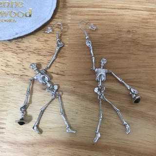 Vivienne Westwood - 骸骨ピアス シルバー