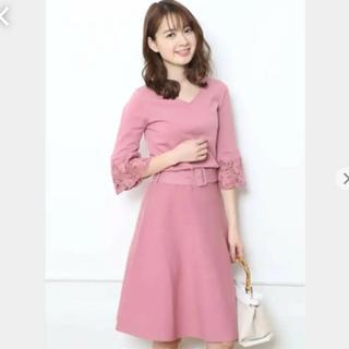 JUSGLITTY - 🌺美品✨ジャスグリッティー  袖刺繍フレアニットワンピース