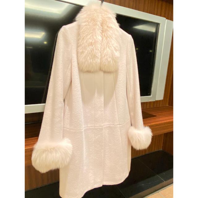 Debut de Fiore(デビュードフィオレ)のデビュードフィオレレッサパッセ ファーコート レディースのジャケット/アウター(毛皮/ファーコート)の商品写真