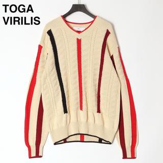 トーガ(TOGA)の【新品】20ss トーガビリリース  ニット Vネック オフホワイト セーター(ニット/セーター)