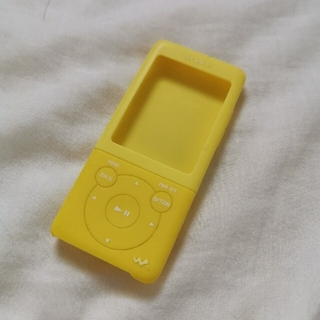 WALKMAN - Walkman シリコンカバー 黄色