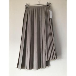 TOMORROWLAND - 新品タグ付きトゥモローランドアシンメトリープリーツスカート