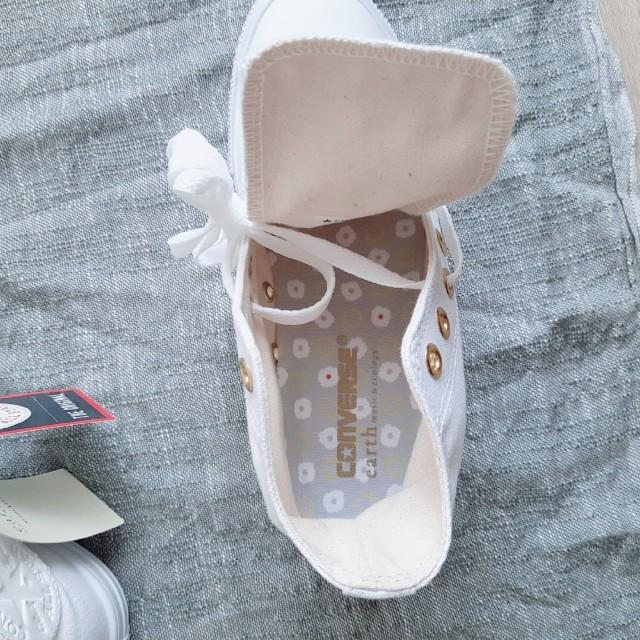 CONVERSE(コンバース)の【新品・限定品♥️】コンバース ハイカットスニーカー ホワイト 24㎝ レディースの靴/シューズ(スニーカー)の商品写真