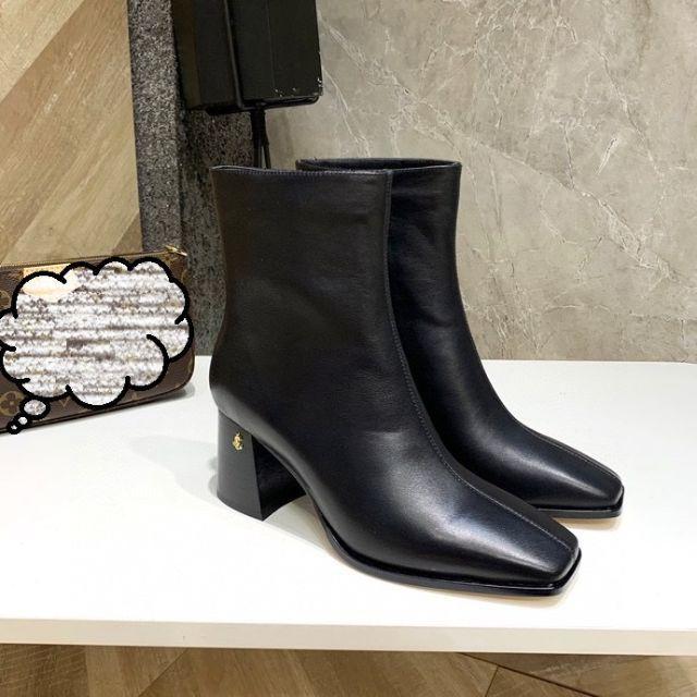 JIMMY CHOO(ジミーチュウ)のtomatojelly    秋冬のショートブーツ23.5cm レディースの靴/シューズ(ブーツ)の商品写真