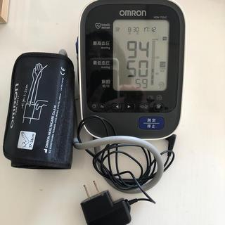 オムロン(OMRON)の血圧計です。新品同様です。(体重計/体脂肪計)