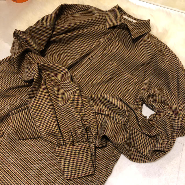REDYAZEL(レディアゼル)のredyazel ボリューム シャツ レディースのトップス(シャツ/ブラウス(長袖/七分))の商品写真