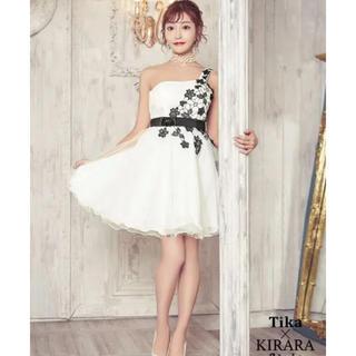 dazzy store - 明日花キララさん着用ドレス