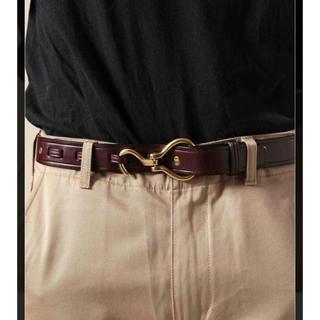 トーガ(TOGA)のトリーレザー フックバックルベルト(1インチ) 茶色×金 34インチ(ベルト)