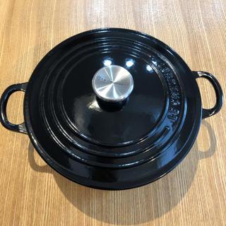 LE CREUSET - ココット・ロンド (シルバーツマミ) ブラック 22cm ルクルーゼ