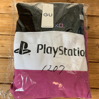 ジーユー(GU)のGU PlayStation コラボ パーカー Sサイズ 新品未開封 タグつき(パーカー)