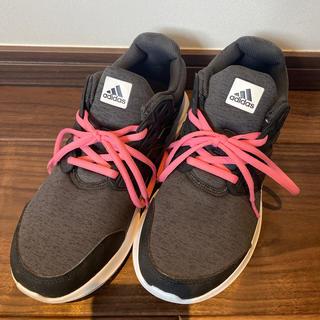 アディダス(adidas)のシューズ(スニーカー)
