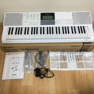 カシオ(CASIO)のCASIO    DIGITAL KEYBOARD    LK-516 (電子ピアノ)