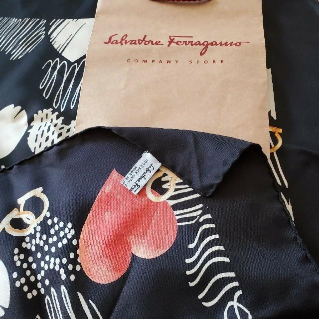 Salvatore Ferragamo(サルヴァトーレフェラガモ)のapple juice様専用フェラガモ スカーフ レディースのファッション小物(バンダナ/スカーフ)の商品写真