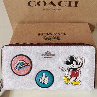 コーチ(COACH)のcoach財布 ホワイトミッキーラウンドファスナー(財布)