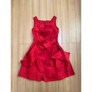 ティアラ(tiara)の結婚式ドレス Tiara 赤(ミディアムドレス)