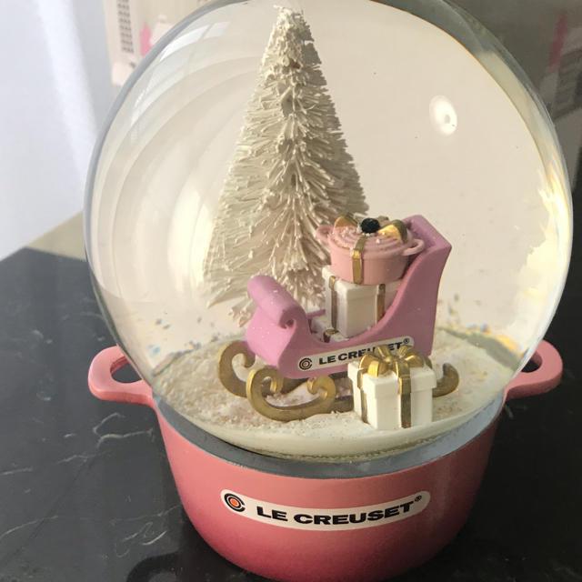 LE CREUSET(ルクルーゼ)の⭐︎ルクルーゼ⭐︎スノードーム⭐︎ベリー⭐︎ インテリア/住まい/日用品のインテリア小物(置物)の商品写真