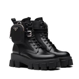 プラダ(PRADA)のPRADA プラダ ブラッシュドパテントレザーxナイロン ダービーブーツ 新品(ブーツ)