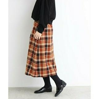 ドットアンドストライプスチャイルドウーマン(Dot&Stripes CHILDWOMAN)のサンプル品 ウールチェックスカートとニット(ひざ丈スカート)