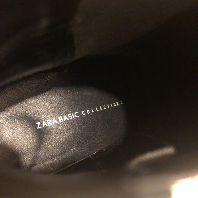 ZARA(ザラ)のショートブーツ zara ザラ ブーティー 黒 スエード レディースの靴/シューズ(ブーツ)の商品写真