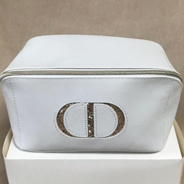 Dior(ディオール)の⭐︎Dior⭐︎限定ポーチ⭐︎クリスマス⭐︎ レディースのファッション小物(ポーチ)の商品写真