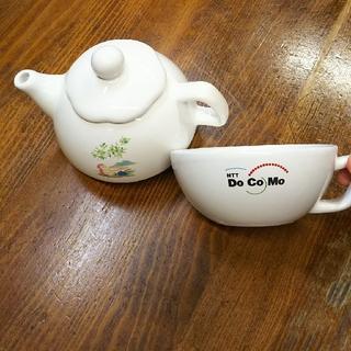 ティーポット&ドコモのロゴ入りティーカップセット(食器)