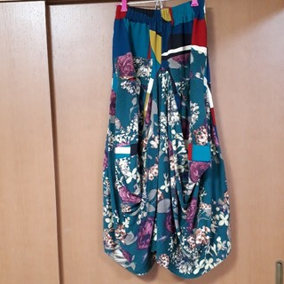 アンティカ(antiqua)のアンティカ 花柄×幾何学柄 ロングスカート(ロングスカート)