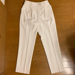 エムズグレイシー(M'S GRACY)の★エムズグレイシー M'S GRACY パンツホワイト白ポケットサイドフリル38(クロップドパンツ)