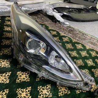 トヨタ - アクアnhp10 後期 純正 LEDヘッドライトセット koito52315J5