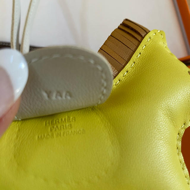 Hermes(エルメス)のエルメス・ロデオチャーム・入手困難カラー レディースのアクセサリー(チャーム)の商品写真